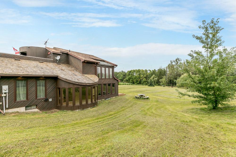 http://listingtour.s3-website-us-east-1.amazonaws.com/11-greenwood-crescent/11Greenwood-146.jpg