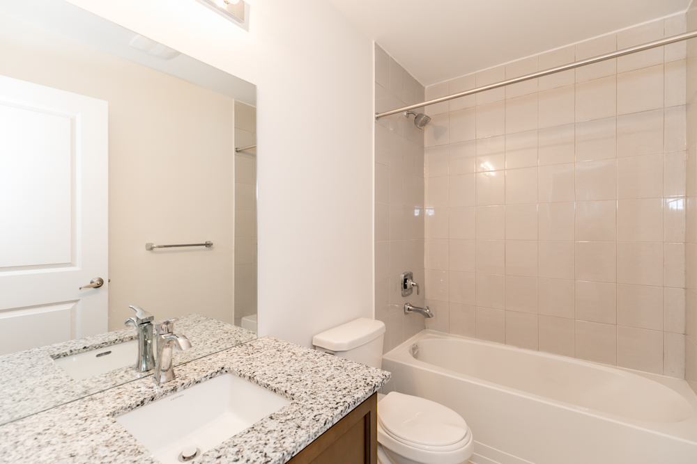 http://listingtour.s3-website-us-east-1.amazonaws.com/12-cambray-road/12ChambrayRd,Vaughan-119.jpg