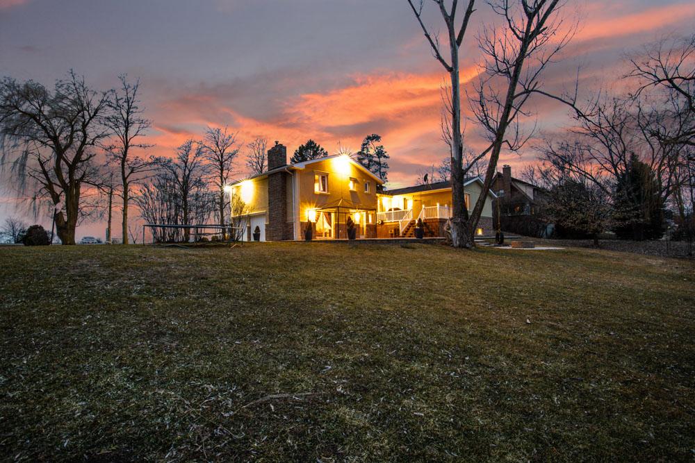 http://listingtour.s3-website-us-east-1.amazonaws.com/13619-centreville-creek-road/13619CentrevilleCreekRoad-TWILIGHT-105.jpg