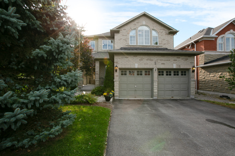 http://listingtour.s3-website-us-east-1.amazonaws.com/2-watts-meadow/477 Kleinburg Summit Way, Kleinburg-102.jpg