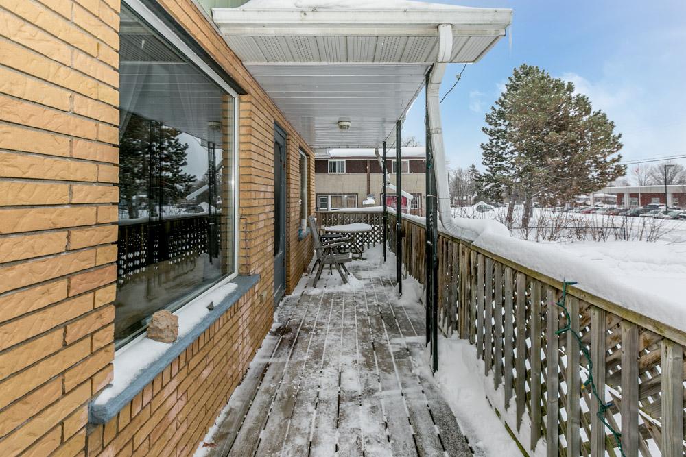 http://listingtour.s3-website-us-east-1.amazonaws.com/240-oxford-street/240OxfordStreet-133.jpg