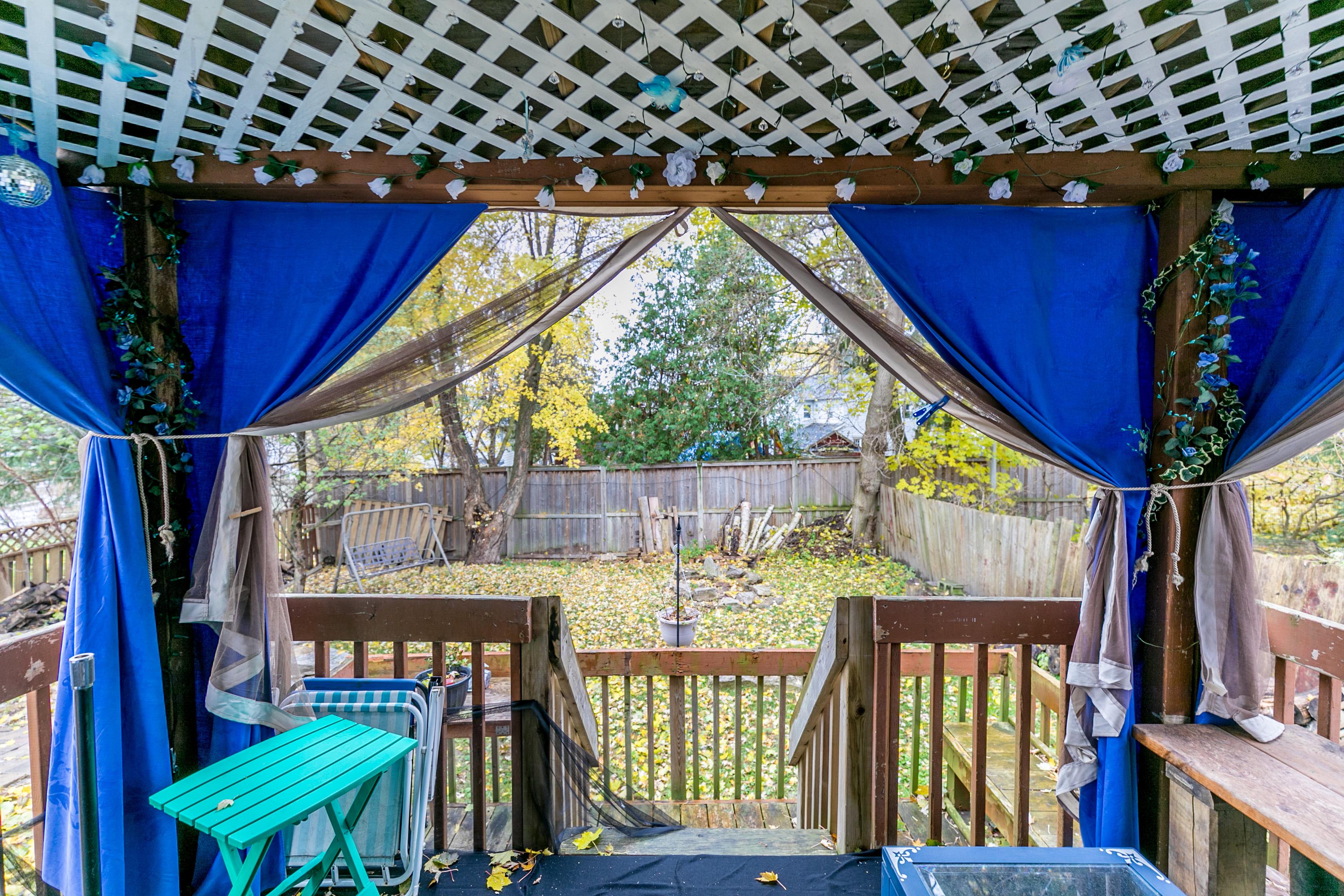 http://listingtour.s3-website-us-east-1.amazonaws.com/285-prospect-street/285ProspectStreet-129.jpg