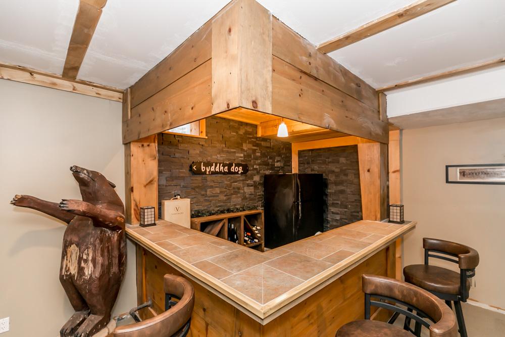 http://listingtour.s3-website-us-east-1.amazonaws.com/3-alpine-way/3AlpineWay,ShantyBay-134.jpg
