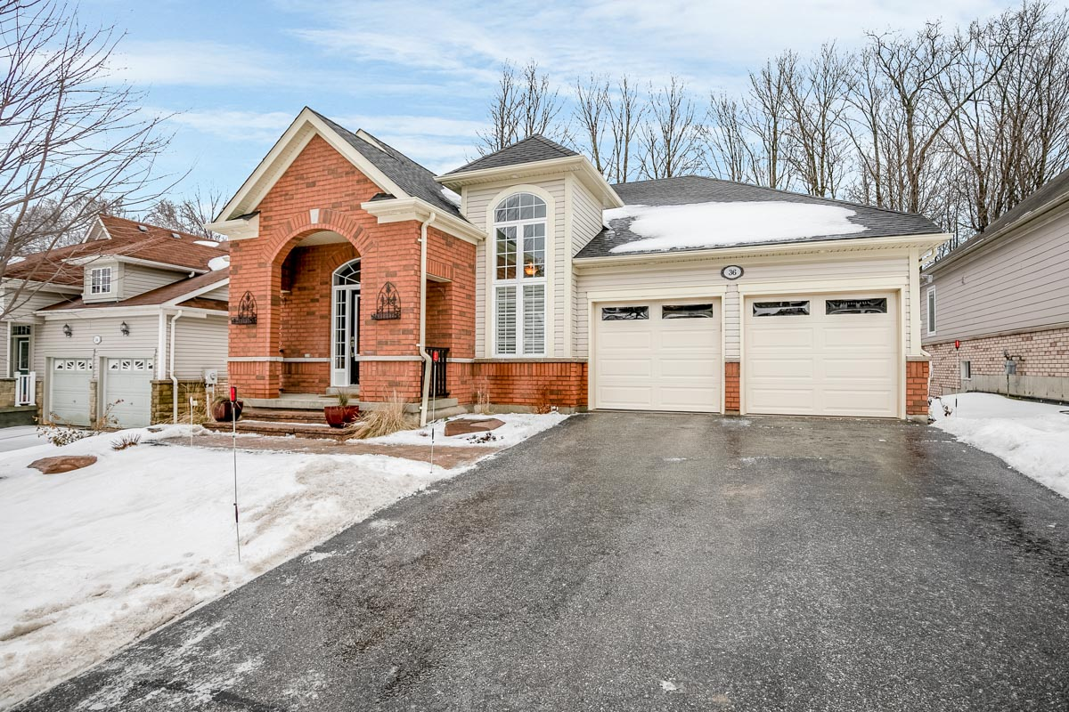http://listingtour.s3-website-us-east-1.amazonaws.com/36-tanglewood-crescent/36 Tanglewood Cres-101.jpg