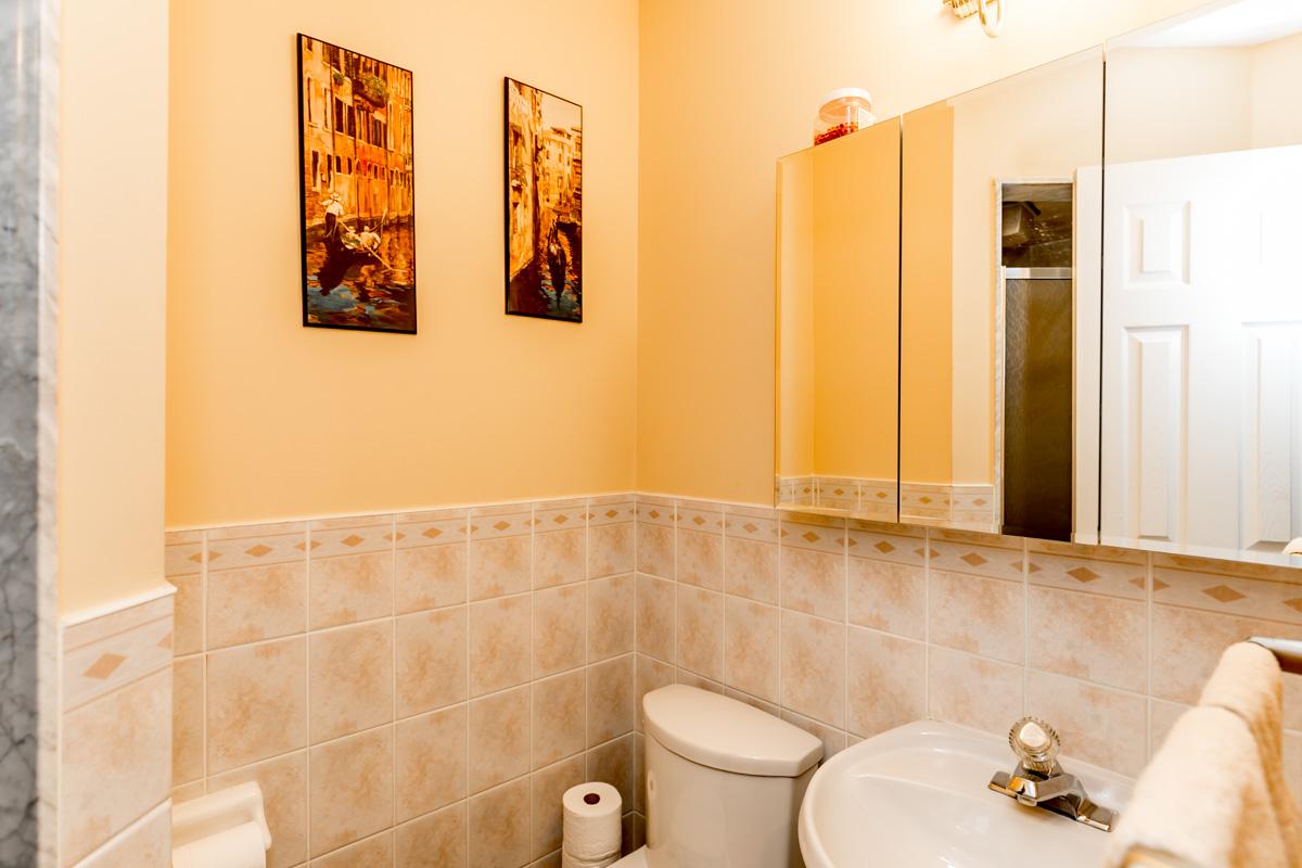 http://listingtour.s3-website-us-east-1.amazonaws.com/37-kirkwood-crescent/37Kirkwood-133.jpg