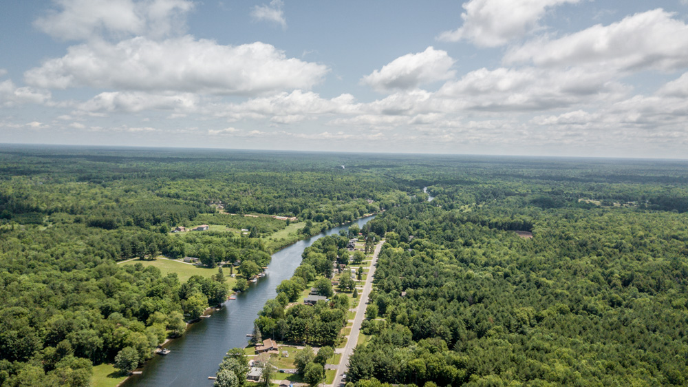 http://listingtour.s3-website-us-east-1.amazonaws.com/3939-canal-road/3939Canal-152.jpg