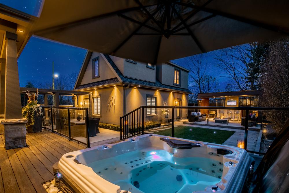 http://listingtour.s3-website-us-east-1.amazonaws.com/44-hawkridge-avenue/44HawkridgeAvenue-TwilightsREEDIT-102.jpg