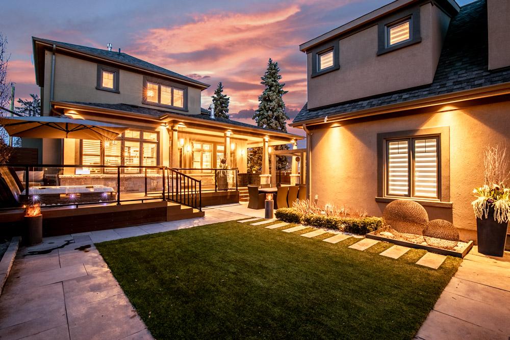 http://listingtour.s3-website-us-east-1.amazonaws.com/44-hawkridge-avenue/44HawkridgeAvenue-TwilightsREEDIT-104.jpg
