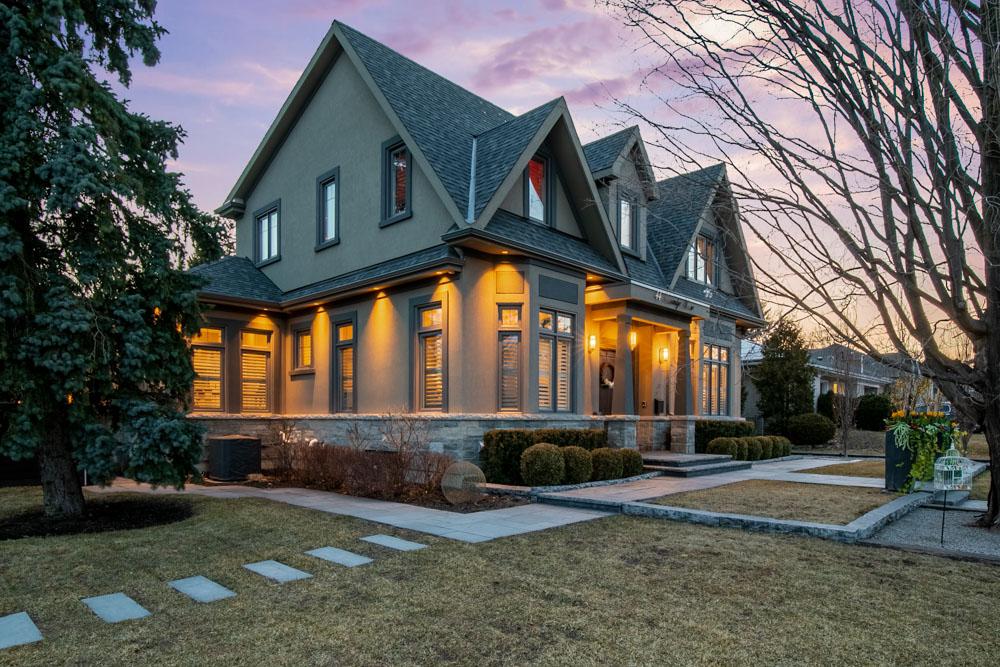 http://listingtour.s3-website-us-east-1.amazonaws.com/44-hawkridge-avenue/44HawkridgeAvenue-TwilightsREEDIT-109.jpg
