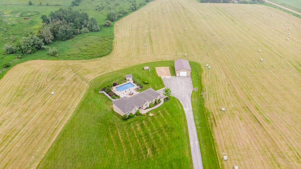 http://listingtour.s3-website-us-east-1.amazonaws.com/514290-2nd-line/Aerial-104.jpg