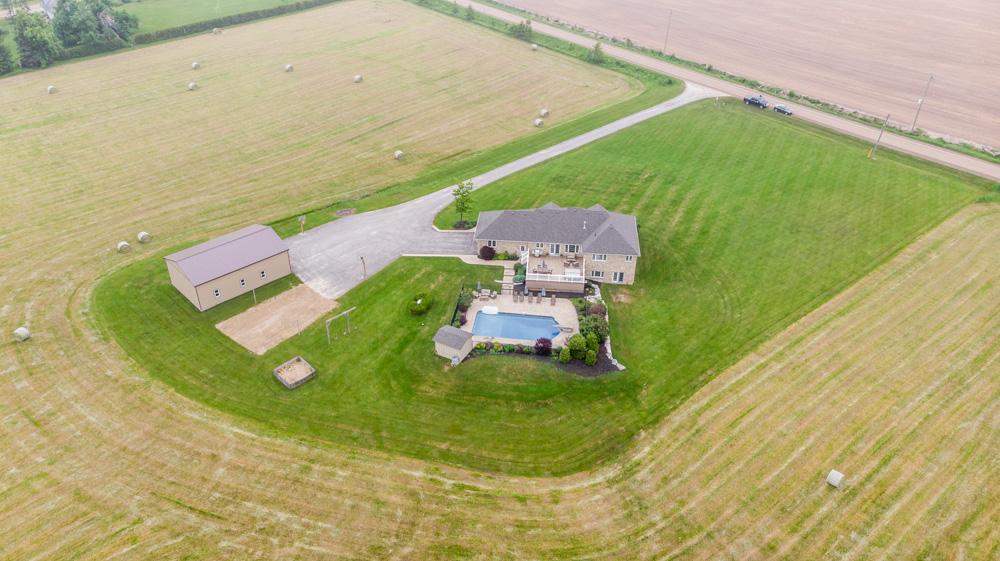 http://listingtour.s3-website-us-east-1.amazonaws.com/514290-2nd-line/Aerial-110.jpg