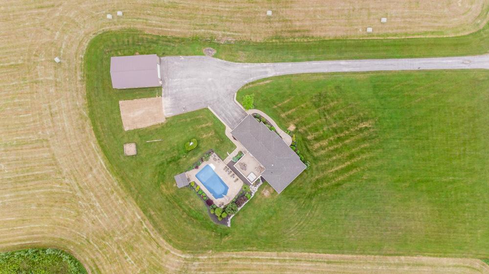 http://listingtour.s3-website-us-east-1.amazonaws.com/514290-2nd-line/Aerial-113.jpg