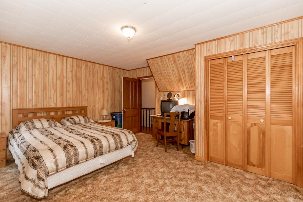 http://listingtour.s3-website-us-east-1.amazonaws.com/6711-simcoe-county-road-27/6711SimcoeCounty-136.jpg