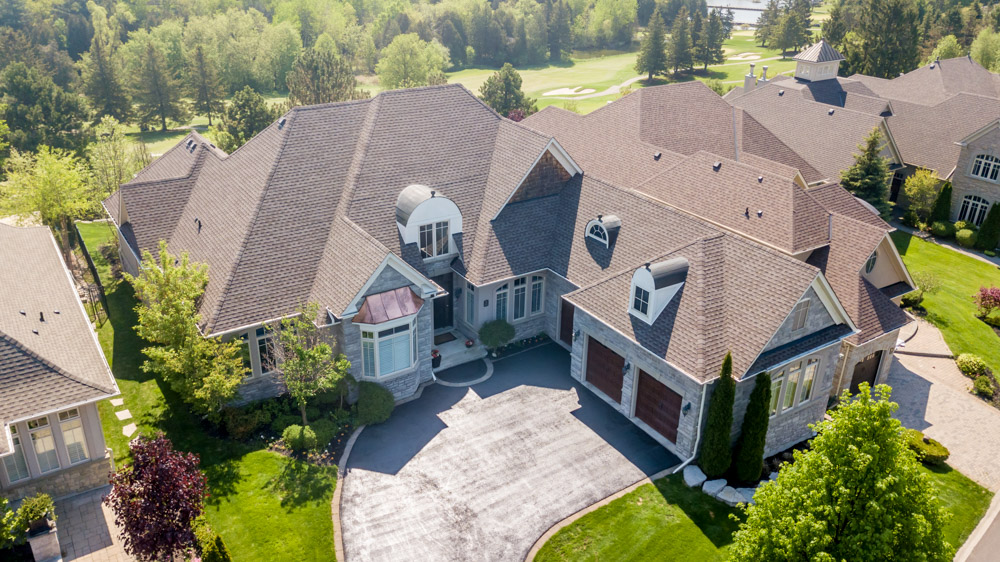 http://listingtour.s3-website-us-east-1.amazonaws.com/86-country-club-drive/86CountryClub-AERIAL-100.jpg