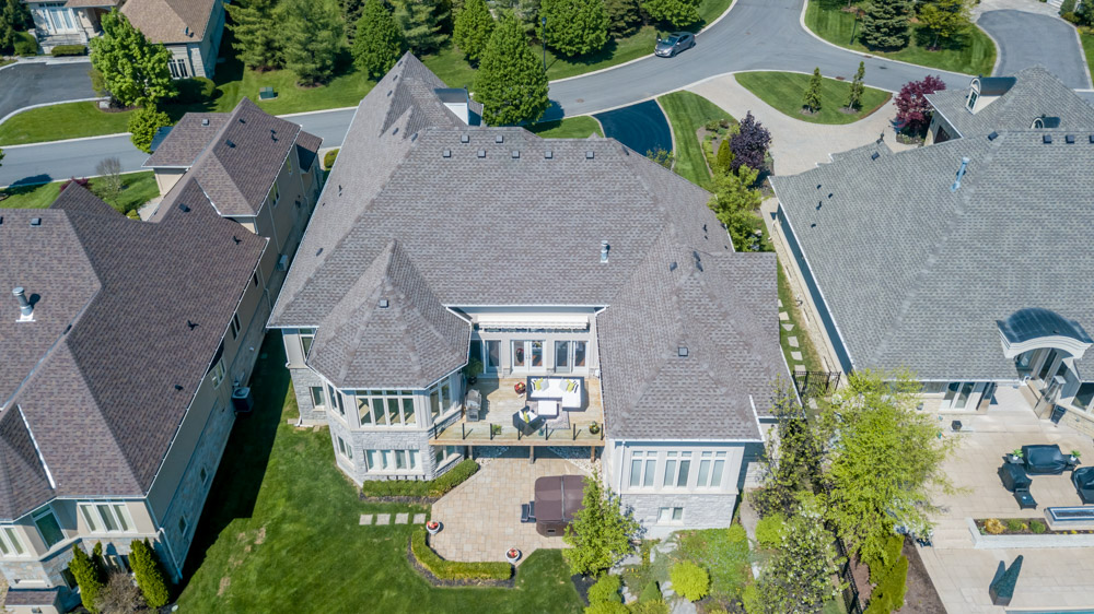 http://listingtour.s3-website-us-east-1.amazonaws.com/86-country-club-drive/86CountryClub-AERIAL-110.jpg