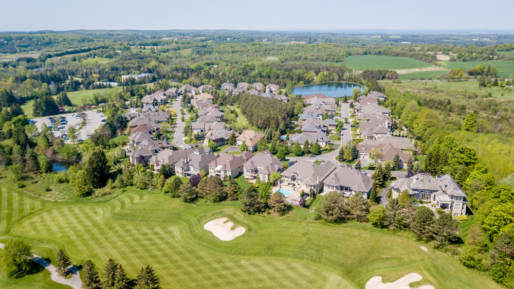 http://listingtour.s3-website-us-east-1.amazonaws.com/86-country-club-drive/86CountryClub-AERIAL-113.jpg