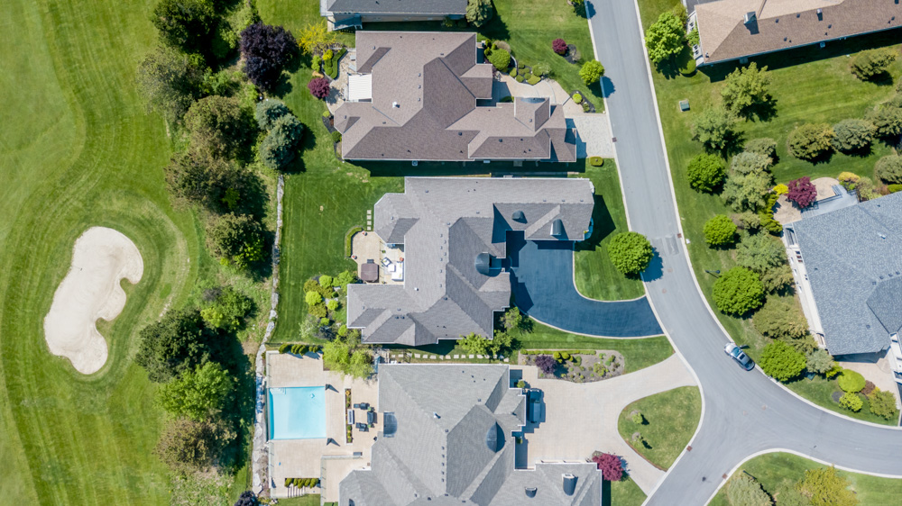 http://listingtour.s3-website-us-east-1.amazonaws.com/86-country-club-drive/86CountryClub-AERIAL-116.jpg