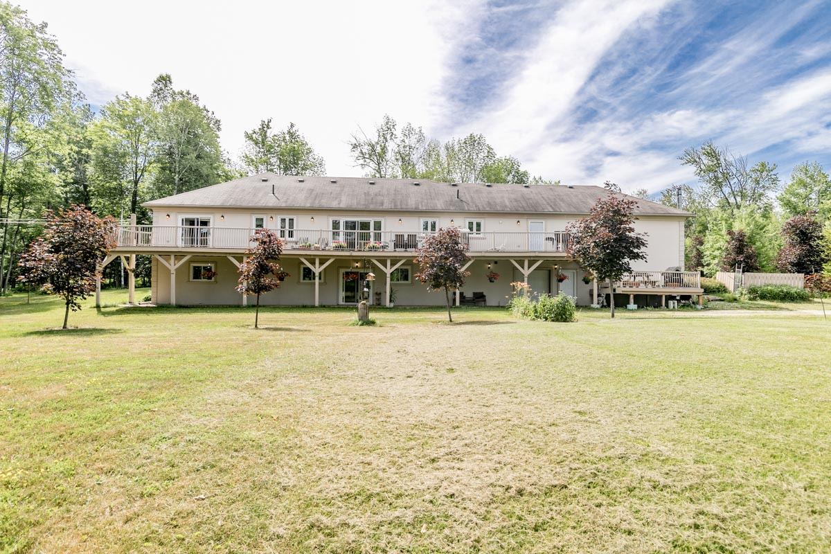 http://listingtour.s3-website-us-east-1.amazonaws.com/9324-county-road-1/9324 County Road 1-146.jpg